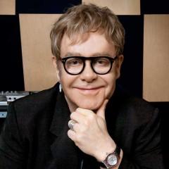 Elton John - Foto Fuente: Facebook Oficial 12-Oct-2010