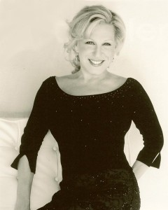 Bette Midler - Foto Fuente Facebook Oficial (8-Oct-2010)